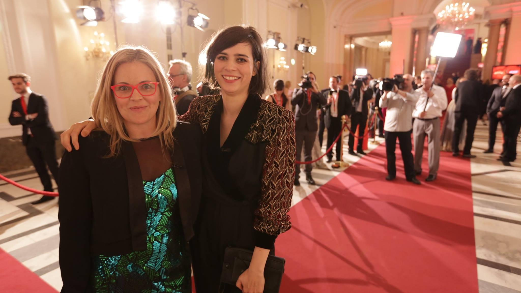 Taryn und Nora Tschirner auf dem roten Teppich